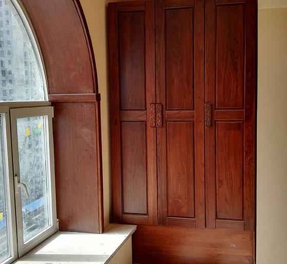 <b>烟台实木橱柜有哪些优点</b>