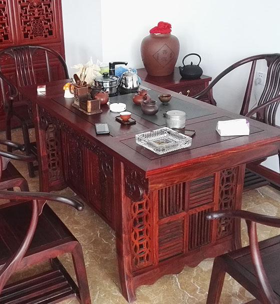 实木定制家具的三个特点