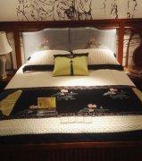 卧室实木家具布置的原则