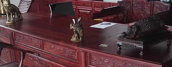 <b>实木家具中古典家具的保养</b>